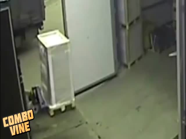 Russian Factory Worker Gets Catapulted by Pallet Jack