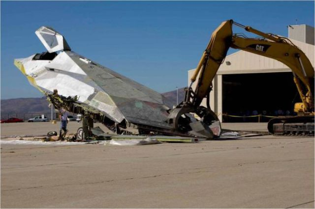 This Is How You Get Rid of an Old Airplane