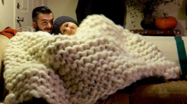 Make You Own Enormous Blanket at Home