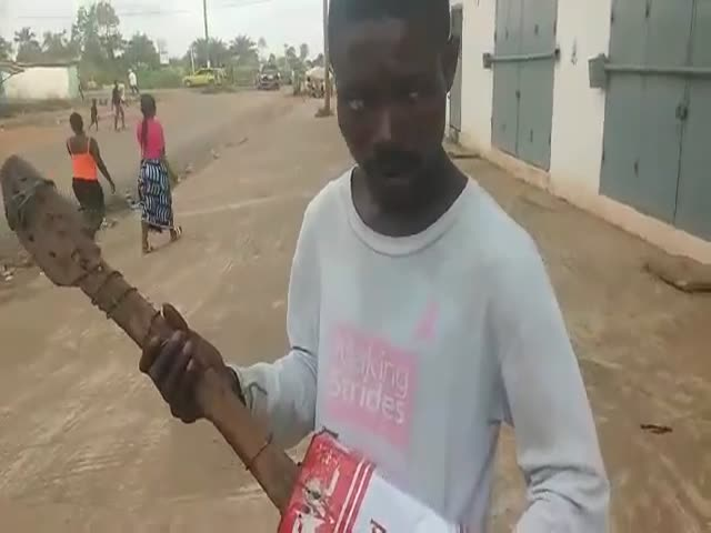 You Can Play Decent Music Even with a Paint Can Guitar