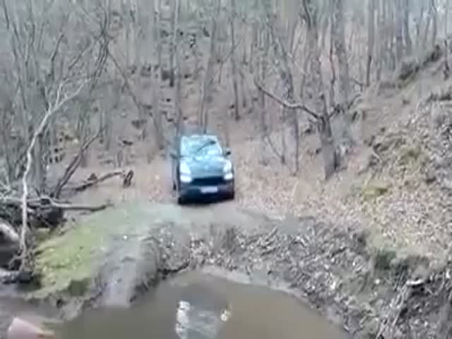 Never Try to Cross a River with a Porsche Cayenne  (VIDEO)