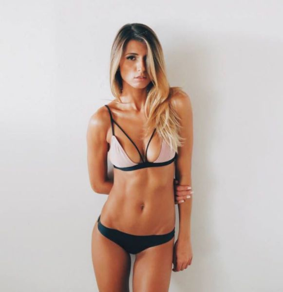 Beautiful Babes in Skimpy Bikinis