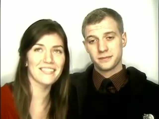 Guy's Awesome Photobooth Proposal to His Unsuspecting Girlfriend  (VIDEO)