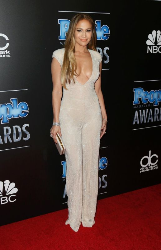 The People Magazine Awards had some Real Head Turners, Including Jennifer Lopez