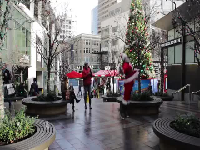 This Santa Has all the Right Moves to Brighten Up Your Festive Season