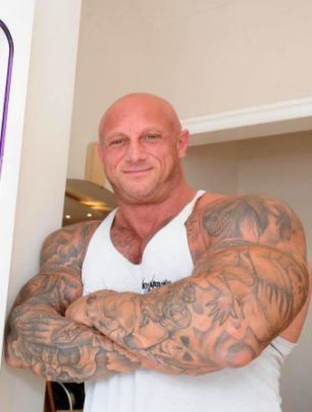 This Hairdresser Wants to Become Mr Universe