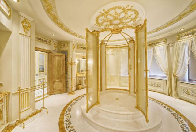 An Extravagant $100 Million House in Moscow