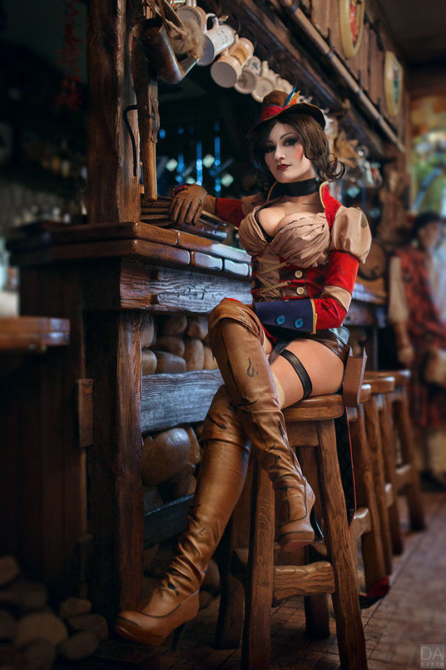 A Mad Moxxi Cosplay That Is Marvellously Sexy