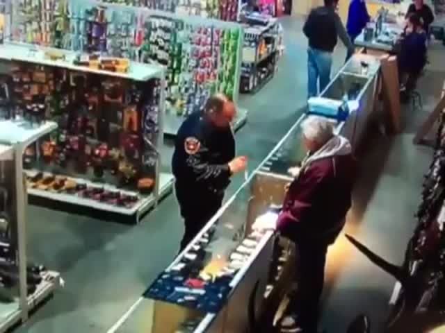 Cop Shoots Off His Finger after Gun Store Clerk Hands Him a Loaded Weapon