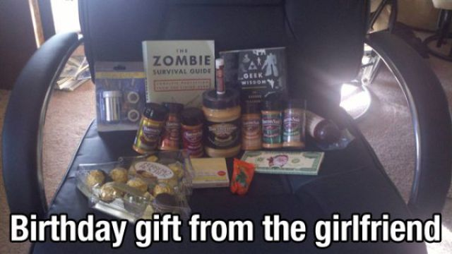 "Girls Who Should Win a ""Best Girlfriend Award"""