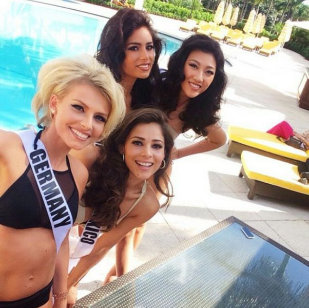 2015 Miss Universe Contestants in Bikinis