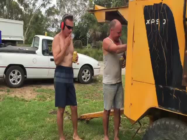 Australian Guy vs Industrial Air Compressor  (VIDEO)