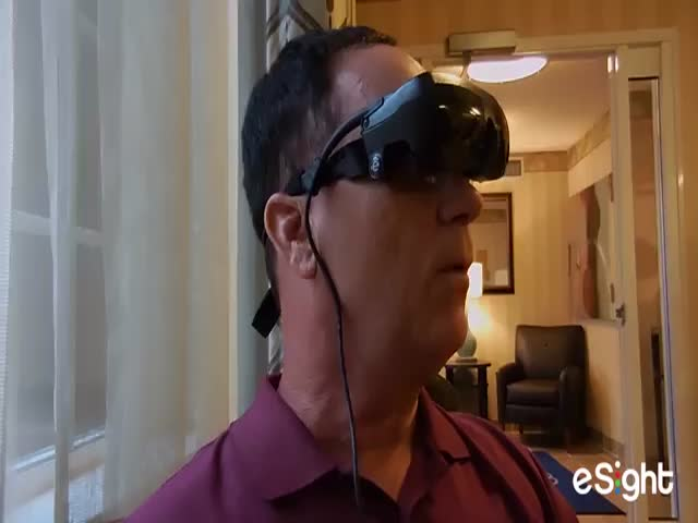 Legally Blind Man Sees for the First Time after 20 Years  (VIDEO)