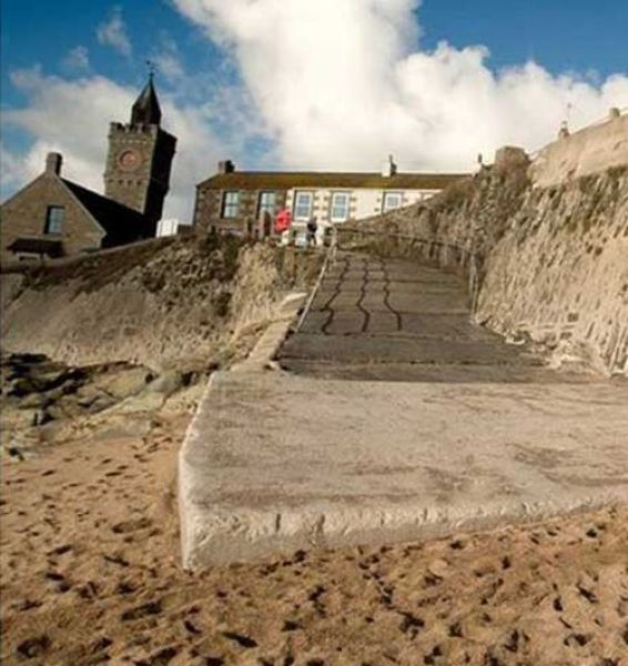 The Mysterious Disappearing Beach