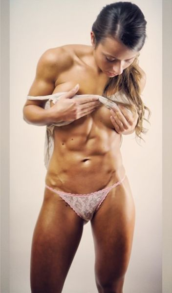 This Fit Girl Is One Strong Lady