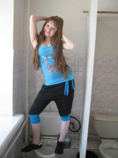 Some Russians Try to Be Sexy for Online Dating Sites But It Is a Massive Fail