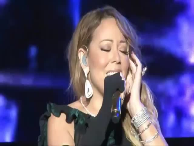 Mariah Carey's Epic, Cringe-Worthy Lip Sync Fail