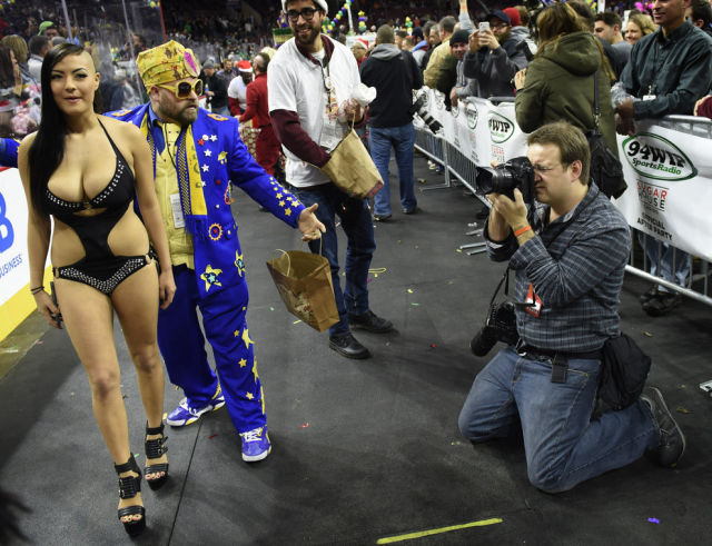A New Winner Is Crowned in the 2015 Wing Bowl Contest