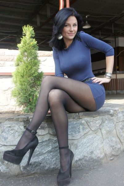 Skin-Tight Dresses Are A Stunning Invention 65 Pics - Izismilecom-2952