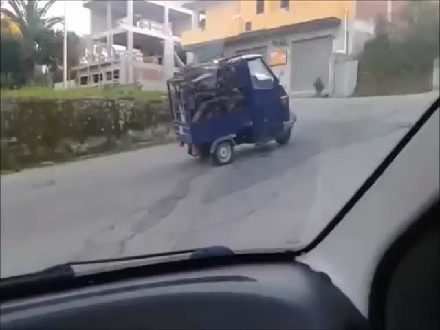 Overloaded 'Mini Truck' Struggling to Go Uphill  (VIDEO)