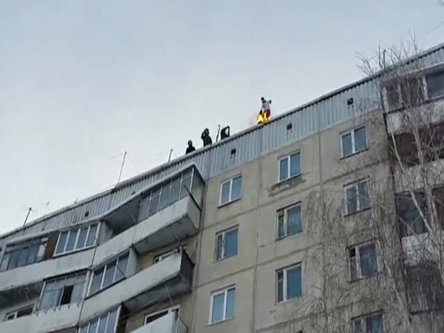 Russian Daredevil Sets Himself on Fire and Jumps Off a 9-Story Building