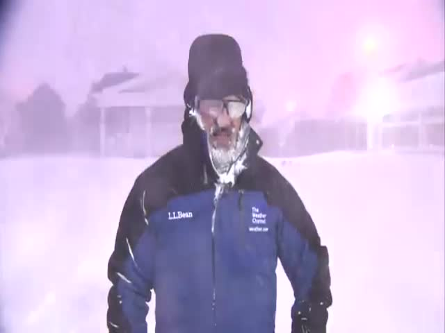 Weatherman Freaks Out Over 'Thundersnow'