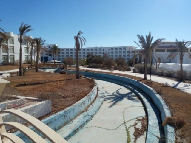 A Tour of a Neglected Egyptian 5 Star Hotel