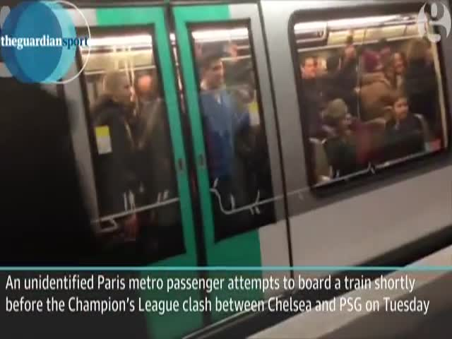 Racist Chelsea Fans at Their Finest in Paris Metro Train  (VIDEO)