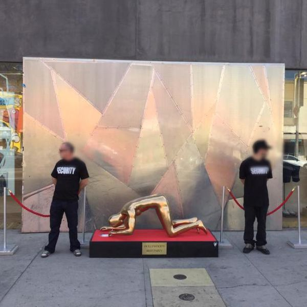 A Controversial Cocaine Snorting Oscar Statue in Hollywood