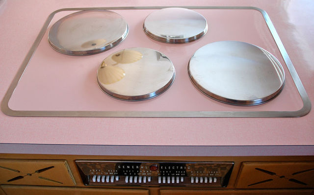 A Retro Kitchen That Is a Flashback to the Past