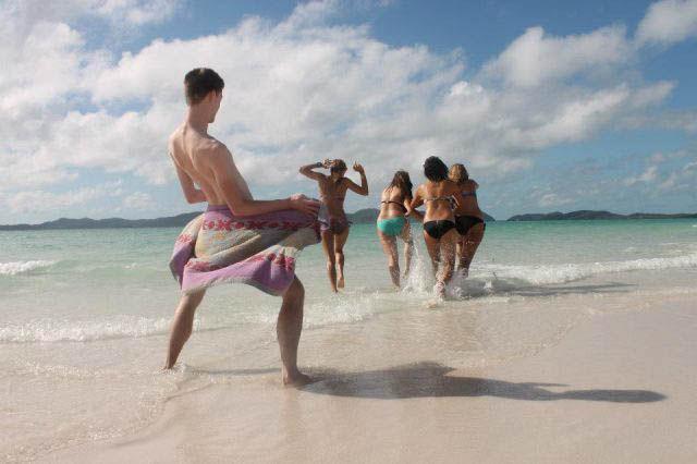 Weird Beachgoers That Will Totally Ruin Your Beach Day