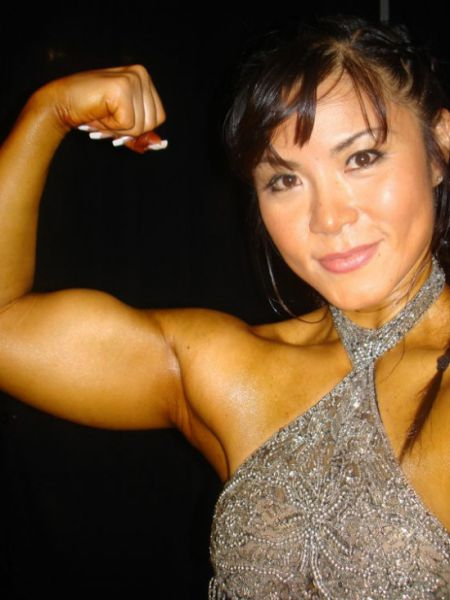 Can You Guess the Age of Japan's Sweetest Female Bodybuilder?