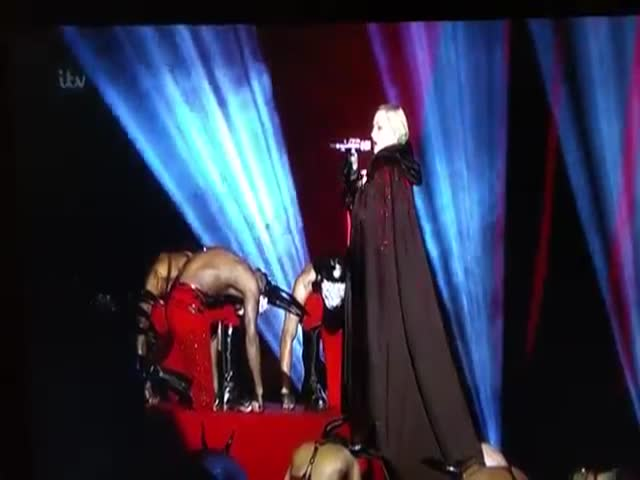 Madonna's Fall at the Brit Awards 2015