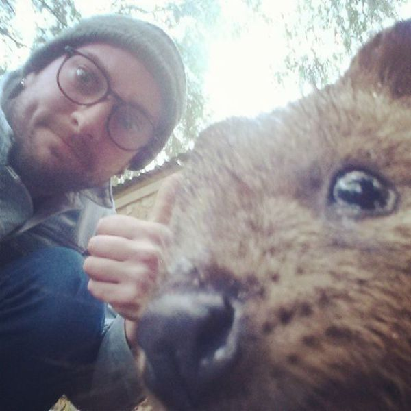 The Cutest Australian Selfie Trend at the Moment