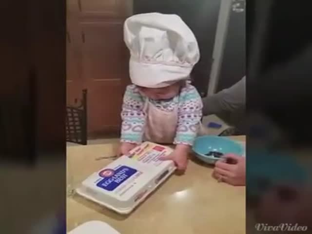 16-Month-Old Baby Cracks Eggs like a Boss