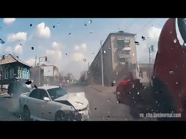 A Typical Day in Russia as Seen through Dashcams