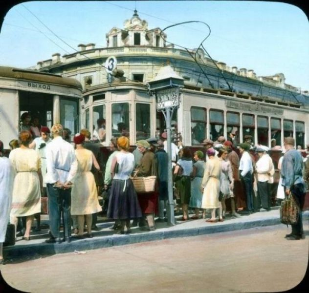 1930s Moscow Comes to Life in Color