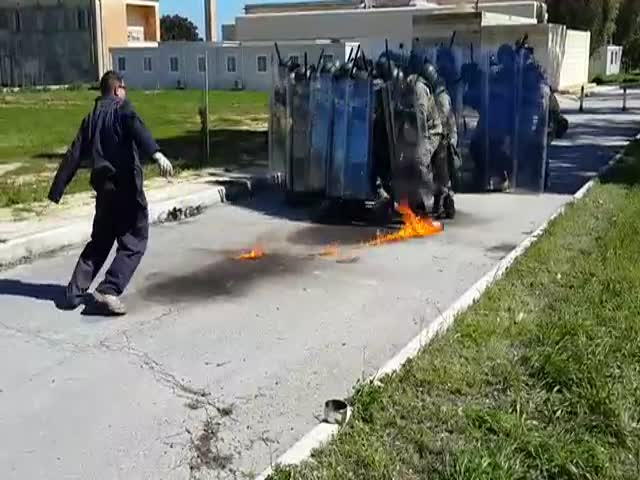 How Not to Throw a Molotov  (VIDEO)