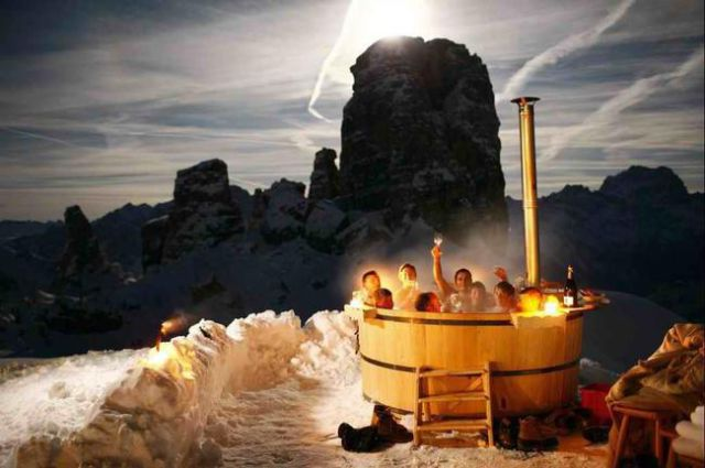 Hot Tubs That Are Little Oases of Heaven
