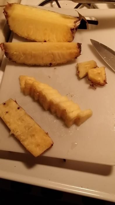 How to Cut Pineapple Like a Pro