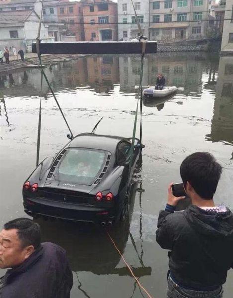 Epic Ferrari F430 Fail in China