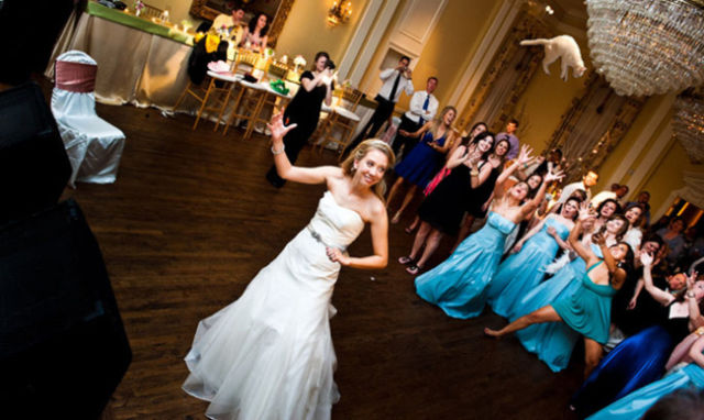 A New Twist on the Bridal Bouquet Toss