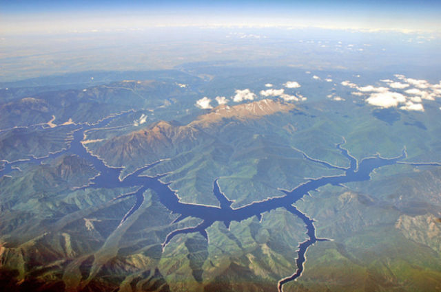 Stunning Photos Taken from the Window Seat in Airplanes