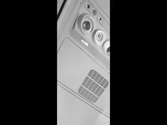 Bored Guy on Plane Uses Flight to Make an Epic Dance Track
