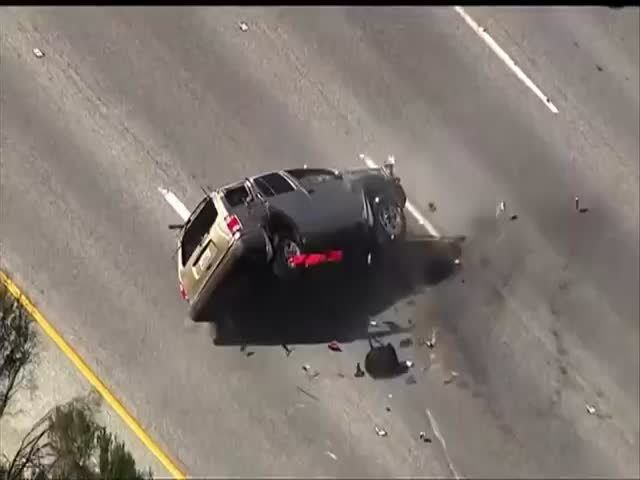 California High-Speed Chase Ends in Quite a Spectacular Way  (VIDEO)