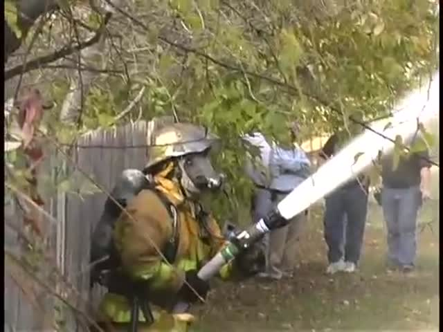Worst Firefighter Ever  (VIDEO)