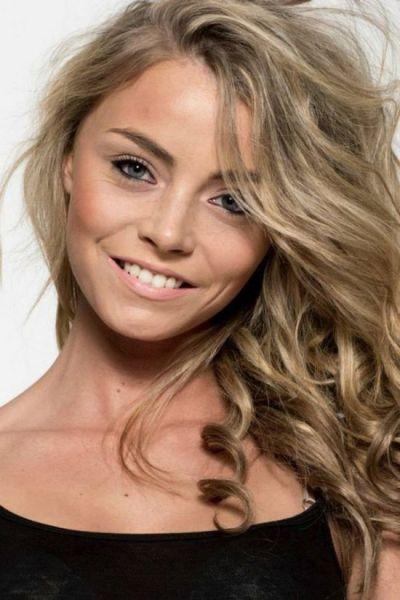Former Anorexic Transforms into Inspiring Teen Beauty Queen