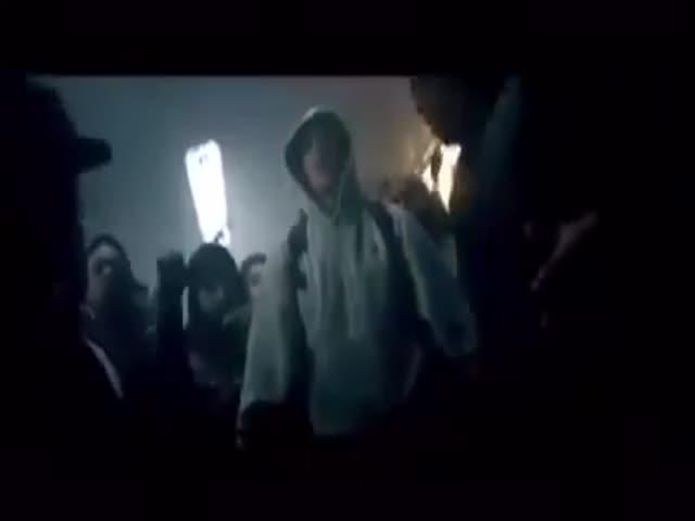 Eminem Blatantly Plagiarizing  (VIDEO)