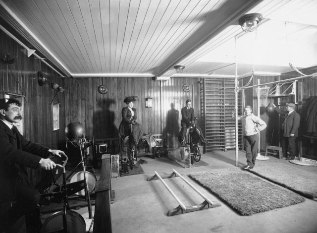 Vintage Black and White Photos of the Original Titanic Gym