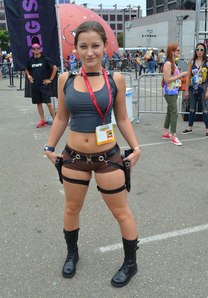 Hot Girls Who Make Cosplay Look Sexy